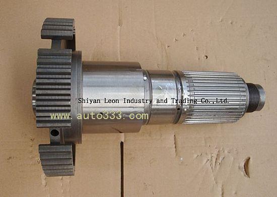 Subsidiary output shaft